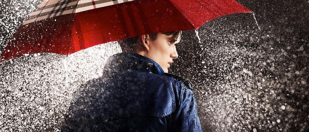 หน้าฝนแล้วไง: มาพบกับสไตล์ไกด์รับมือหน้าฝนสำหรับหนุ่ม ๆ กันเถอะ