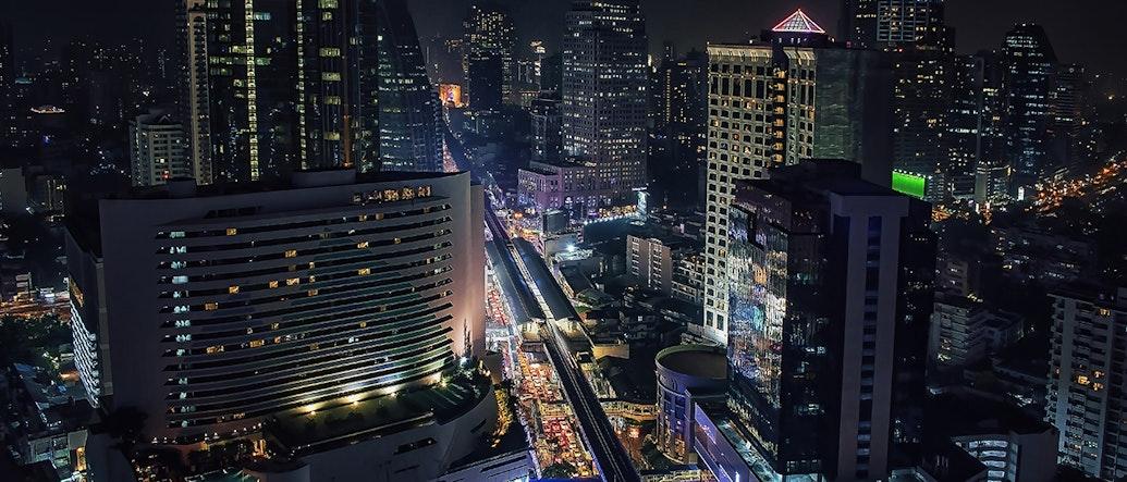 7 Incredible Rooftop Bars in Sukhumvit Area