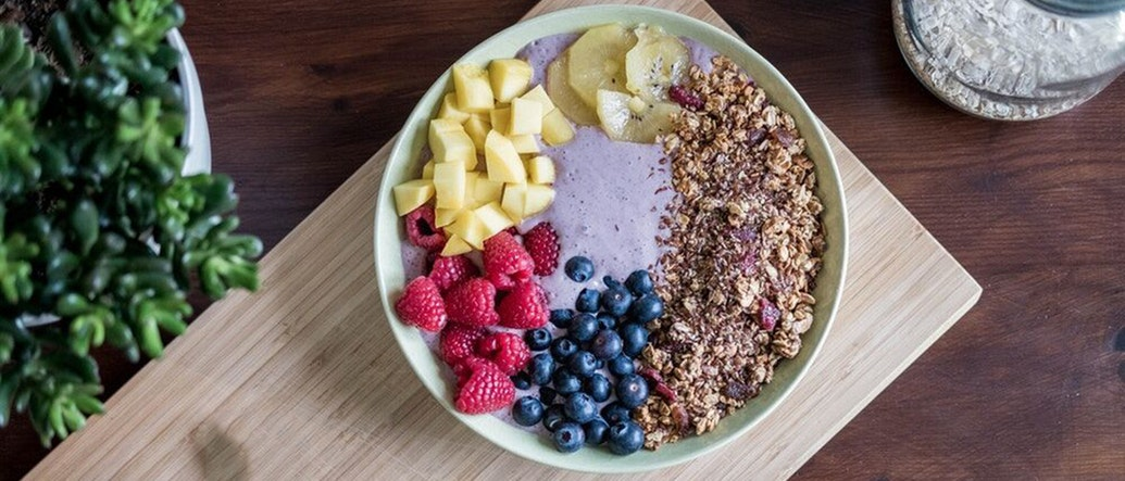 The Most Awesome Smoothie Breakfast Bowls in Bangkok to Satisfy Your Crunch Cravings