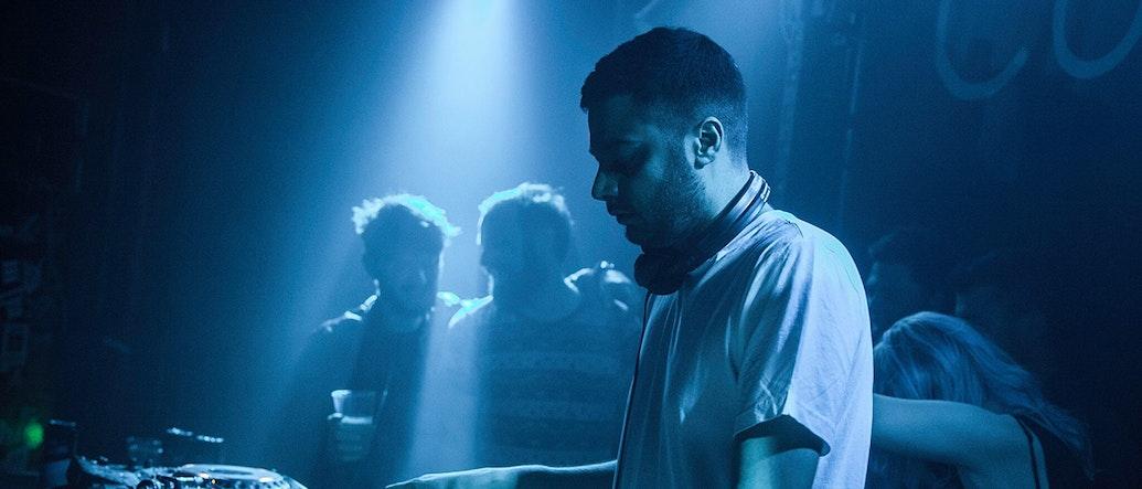 Khalil แบ่งปันเรื่องราวของการเป็นโปรดิวเซอร์, งานปาร์ตี้ของ Livin' Proof ในเมืองลอนดอน และมิกซ์แนว Dancehall อันล่าสุด